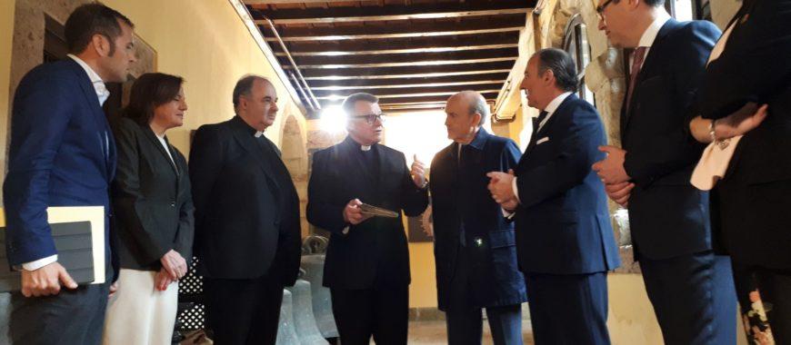 Presentado en Covadonga el libro más antiguo que se conoce sobre la historia del Santuario
