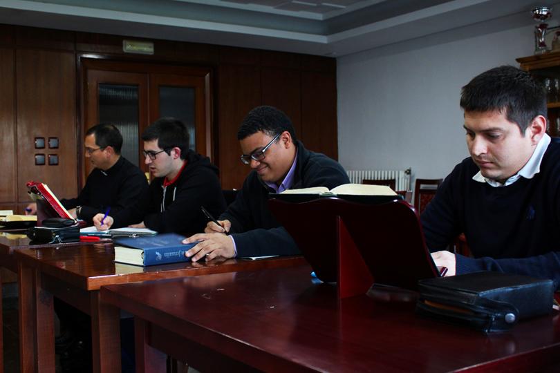 Seminaristas del Seminario Redemptoris Mater