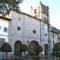 Pravia: Nuestra Señora del Valle y el Santísimo, tras la verja