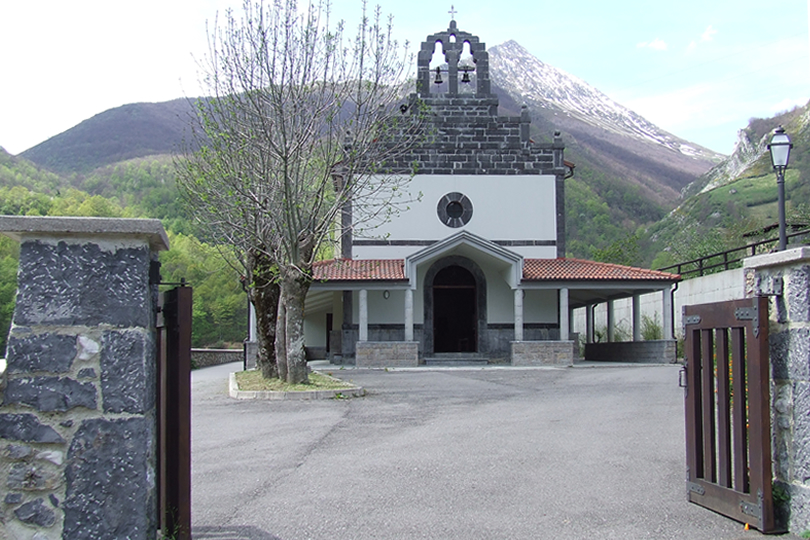 Santuario de San Melchor de Quirós en Cortes