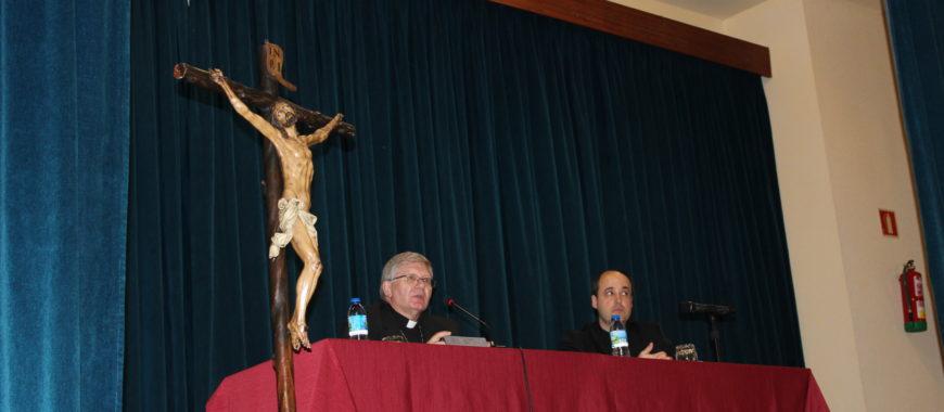 «La mujer emigrante como María en Egipto». Conferencia Cuaresmal del Obispo de Astorga