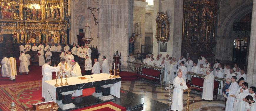 Celebración de la Misa Crismal en la Catedral de Oviedo