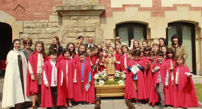 Los niños se vuelcan en la Semana Santa de Gijón