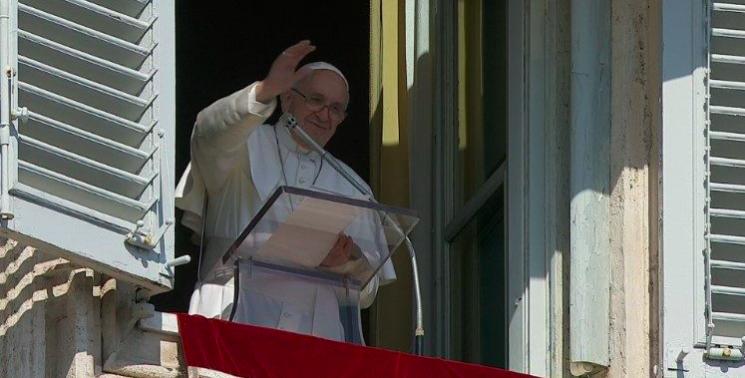 El Papa Francisco recuerda en el Ángelus a los nuevos beatos asturianos