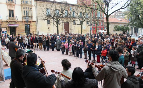 El Camino Neocatecumenal en las plazas de Oviedo
