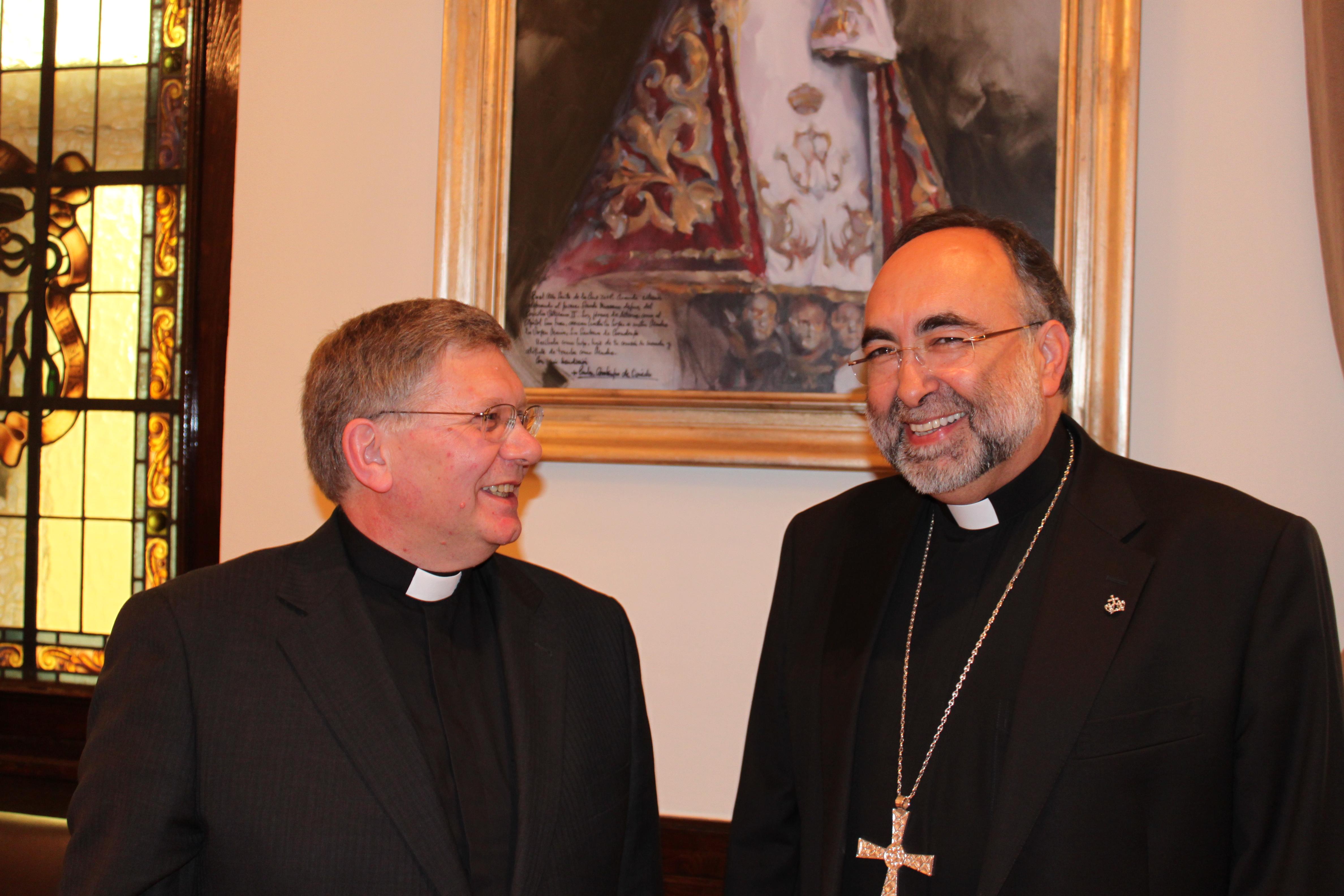 Rueda de prensa en el Obispado, al conocerse su nombramiento como Obispo auxiliar de Oviedo. Año 2013