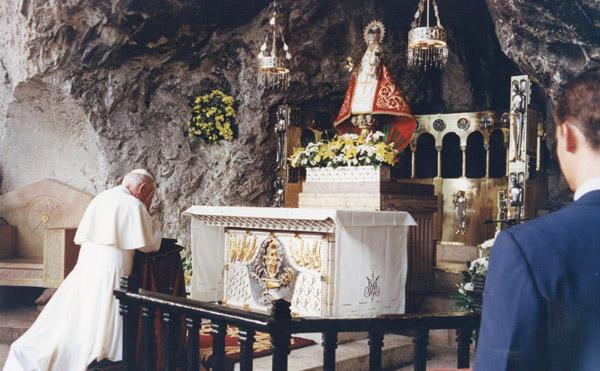 Treinta años de la visita de un santo