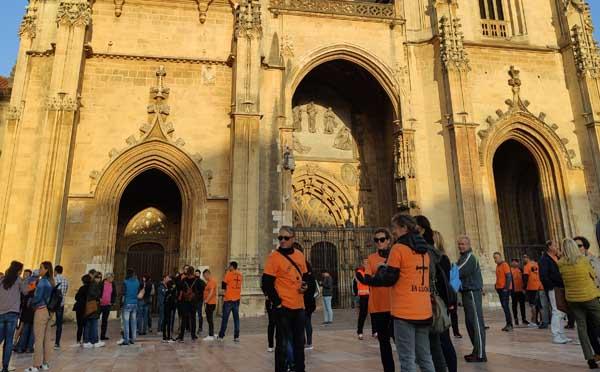 Comunicado ante el encierro de tres trabajadores en la Catedral de Oviedo