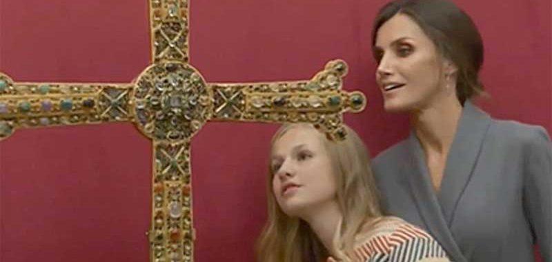La Cruz, signo de identidad, de tutela y de victoria