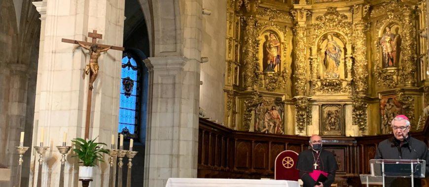 Mons. Sanz, en el Pregón de Semana Santa de Santander